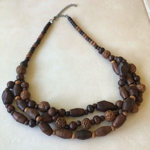 3 for $15😍 jewelry wood brown 3 strand necklace
